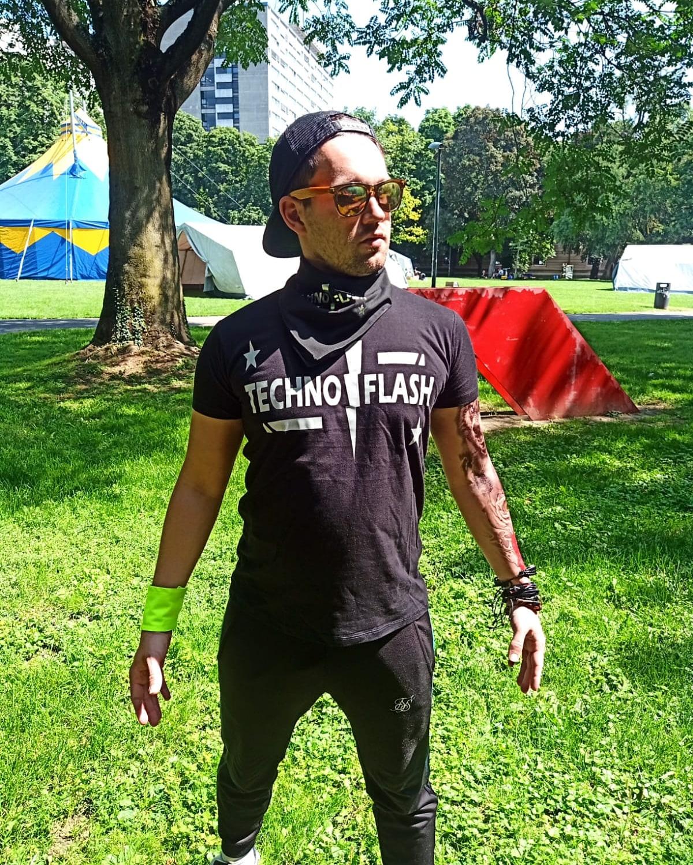 "T-Shirt von SONICX Model "" Techno FLASH""  Techno Wear Style Flash Attacke"