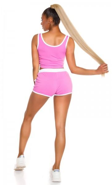 SEXY SPORTY SET CROP TOP + SHORTS MIT KONTRASTSAUM von In Stylefashion in ROSA Rave Wear Style