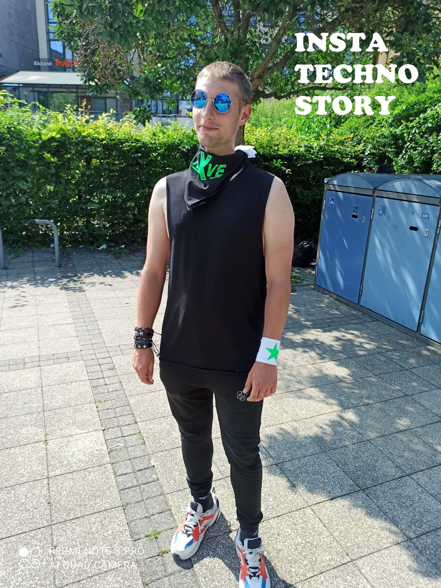 """Bandana / Halstuch  von RAVE X Model """" RAVE X 2k21""""  Rave Wear Style in Neonfarben"""