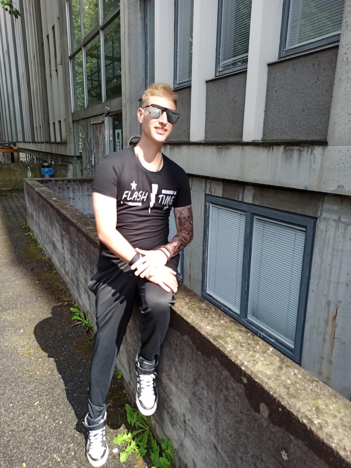 """Techno Rave Shirt von SONICX Model """"Flash Time"""" in verschiedenen Farbkombinationen"""