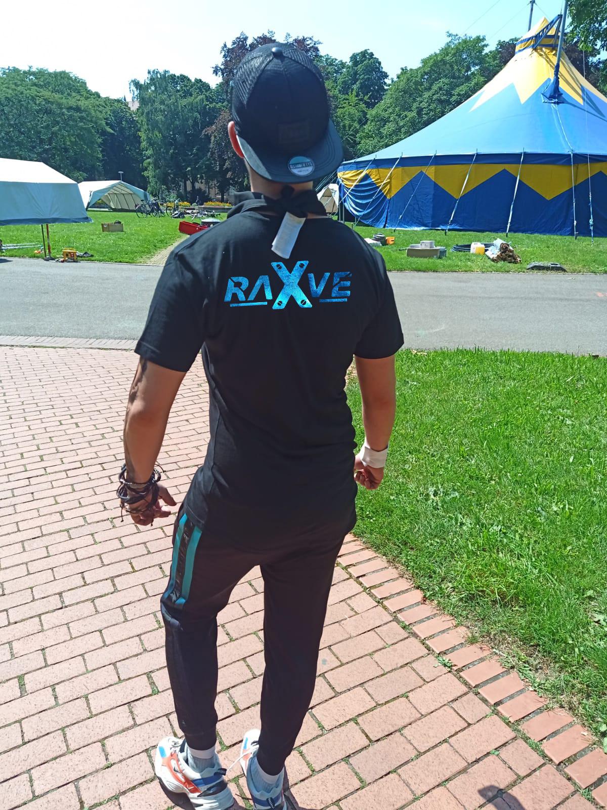 """T-Shirt von Rave X Model """"  Rave X 2k21""""  Technoshirt in Space-Farben"""